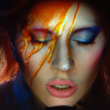 David Bowie: Lady Gaga faz homenagem ao cantor no Grammy